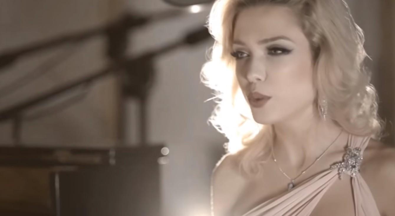 Video Gemma La Voce Wedding Singer Lancashire