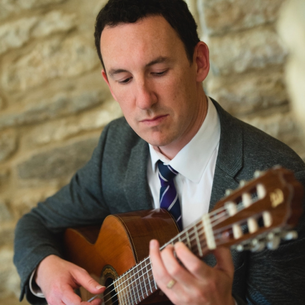 Mike Williams Classical Guitarist Hertfordshire