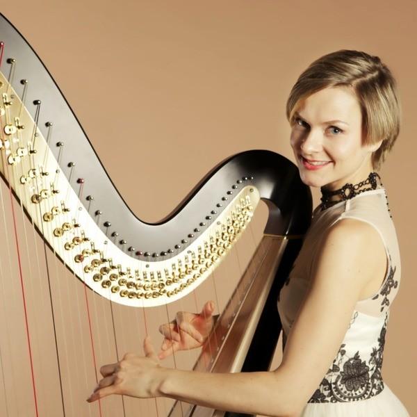 Amour Harp Harpist West Sussex