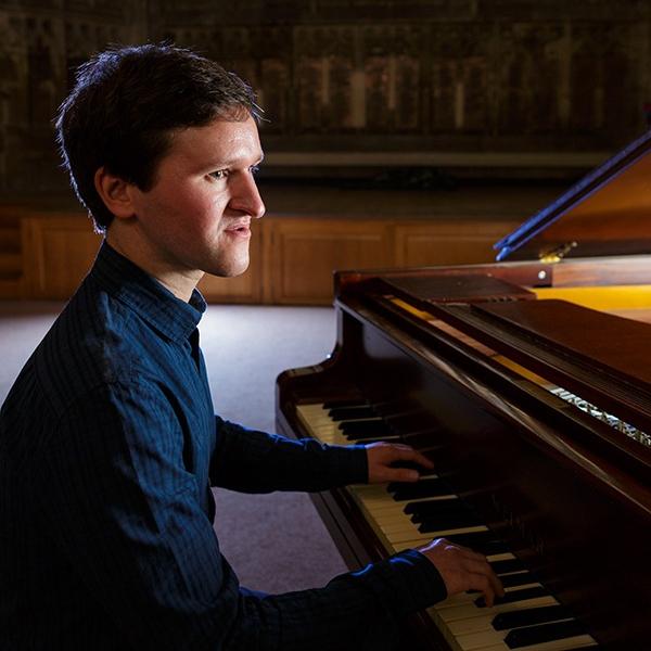 Tommy Hollington Pianist Gloucestershire