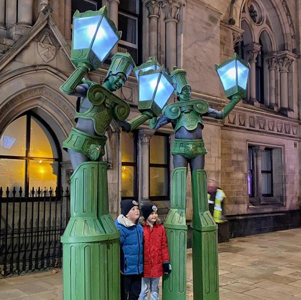 Alive Lamp Posts Street Performer London