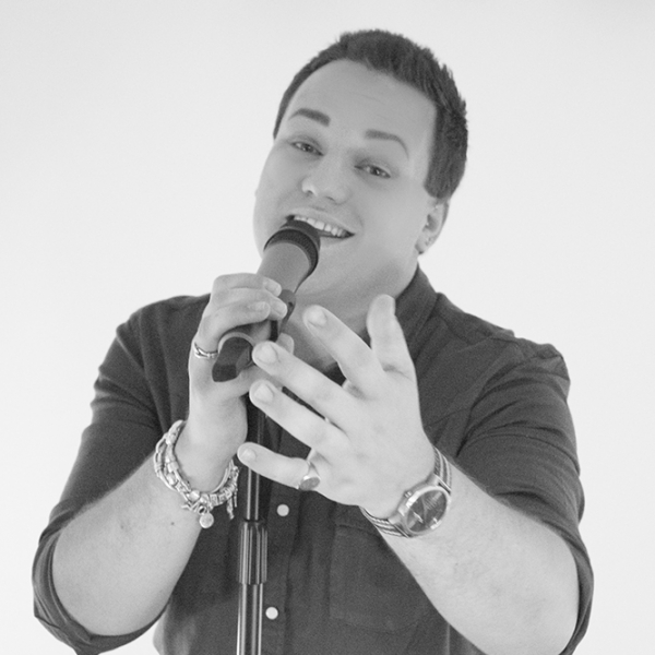 Andrew Silks Solo Singer With Tracks Surrey