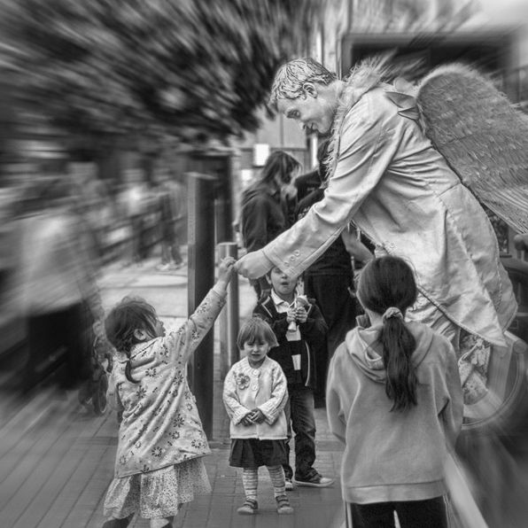 Christmas Angel Statue Christmas Living Statue East Sussex