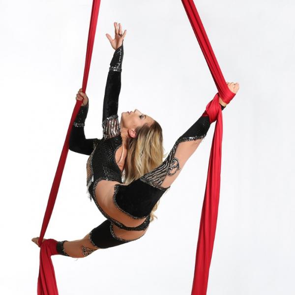 Aerialist Katriana Aerial Dancer. Bedfordshire