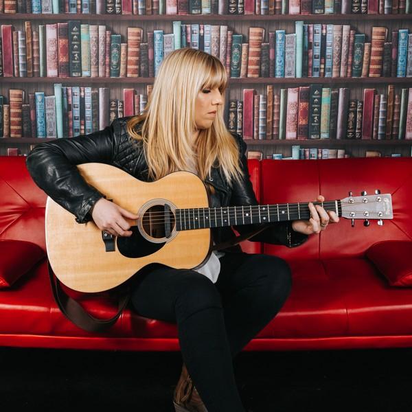 Chloe Fox Singer/Guitarist Cheshire