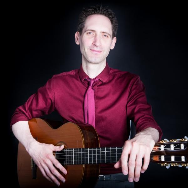 Chris Bourne Classical Guitarist Gloucestershire