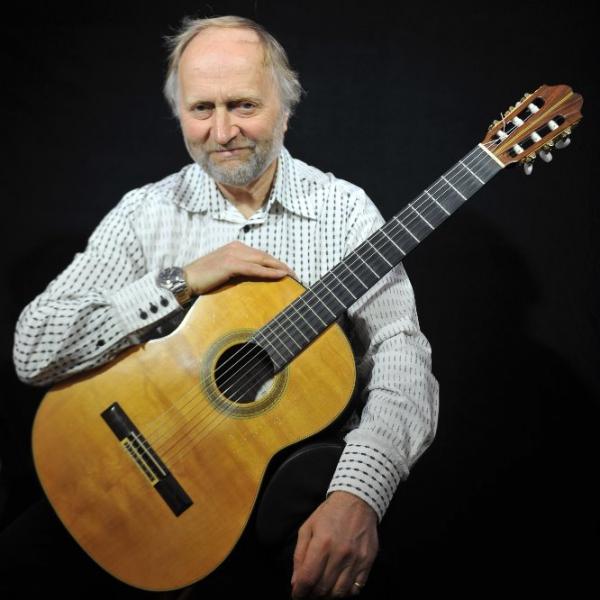 Philip Bailey (Guitarist) Classical Guitarist Devon