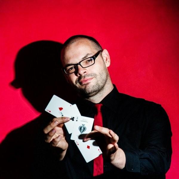 Close Up Magician Craig  Staffordshire