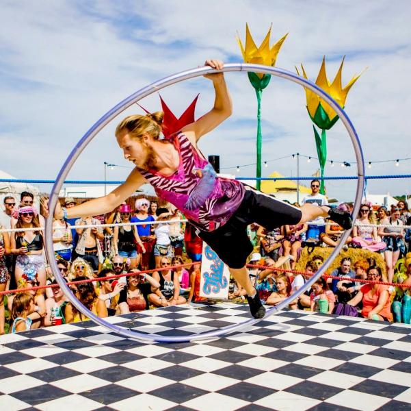 Centric Circus Performer Hertfordshire