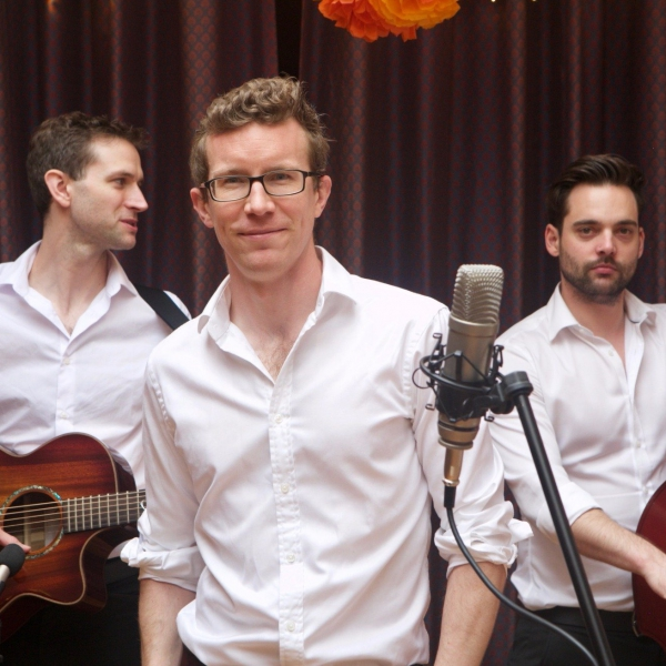 Surround Sound Acoustic Trio Kent