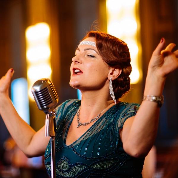 Miss Rosie Vintage Solo Jazz Singer Derbyshire