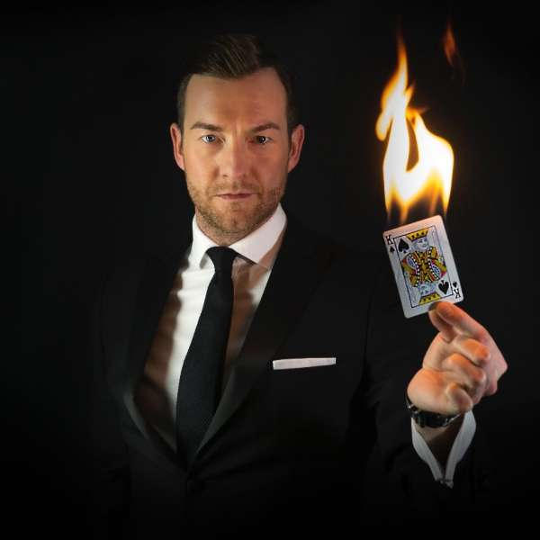 Keven Starl Cabaret & Close Up Magician London