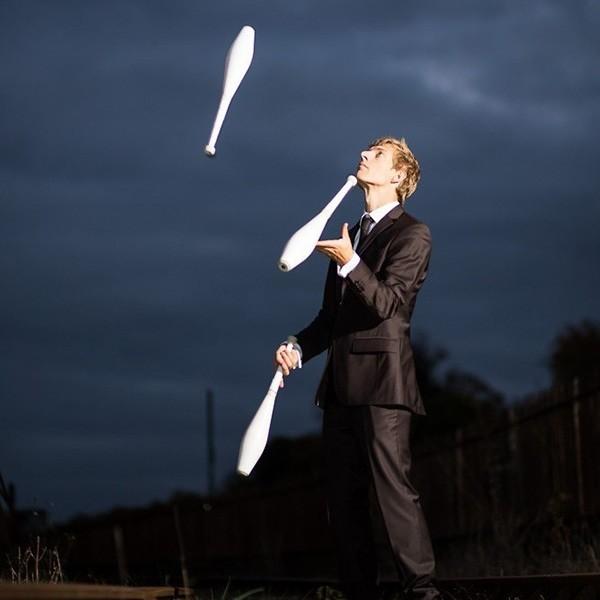 Comedy Juggler Street Performer Bristol