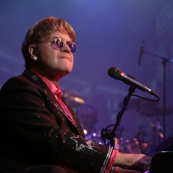 Totally Elton Elton John Tribute Buckinghamshire