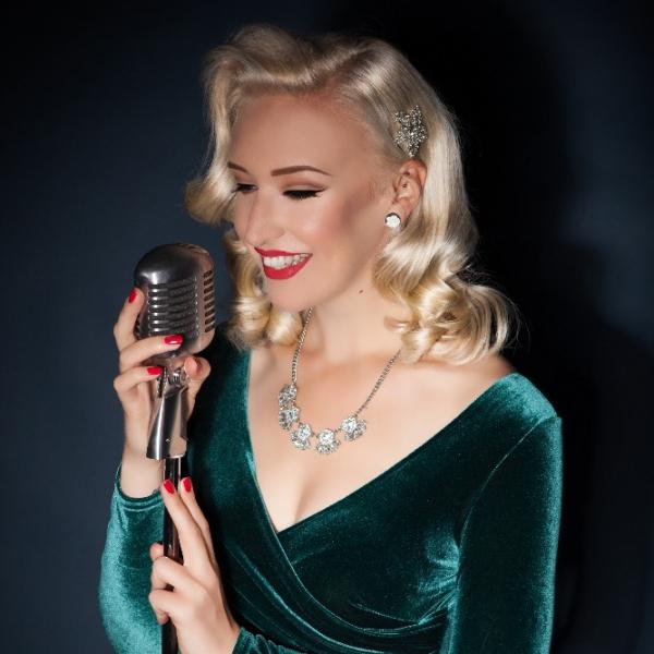 Lulus Vintage Vocals Solo Artist, Duo or Trio East Sussex