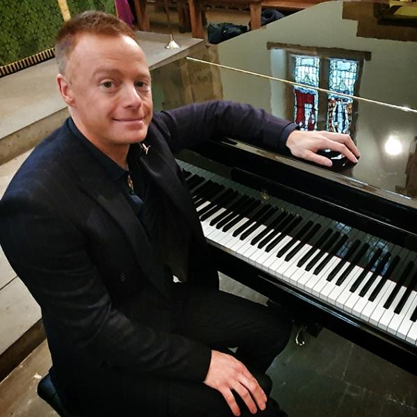 Lee Mathews Pianist Northamptonshire