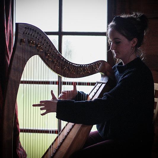Marias Harp Harpist Down