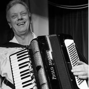 Mario Lee (Accordionist) Accordionist Devon