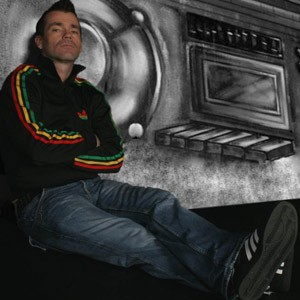 (Robbie Williams) Mike Andrew Robbie Williams Tribute Act Denbigh