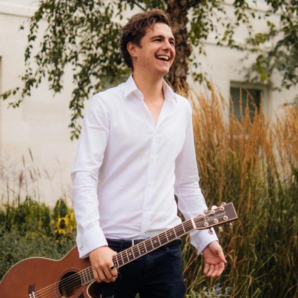 James Reynard Acoustic Singer Guitarist North Yorkshire