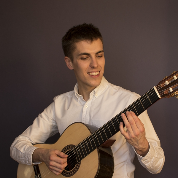 Alex Annand Classical Guitarist London