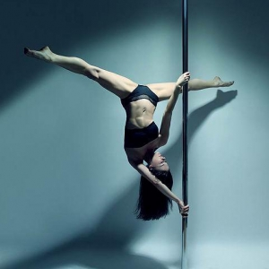 Lyndy Jane Professional Pole Dancer London