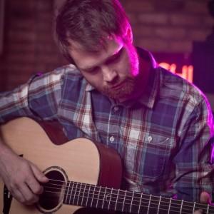 Tat Thomas Solo Singer/Guitarist Hertfordshire