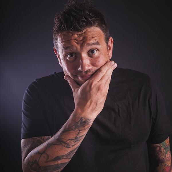 Richie Solo Singer/Guitarist Kent