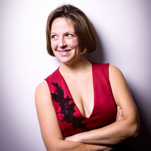 Sara Llewellyn Classical & Opera Singer Hertfordshire