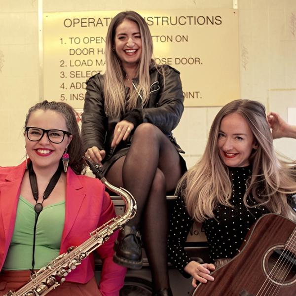 SHE Roams Acoustic Band London