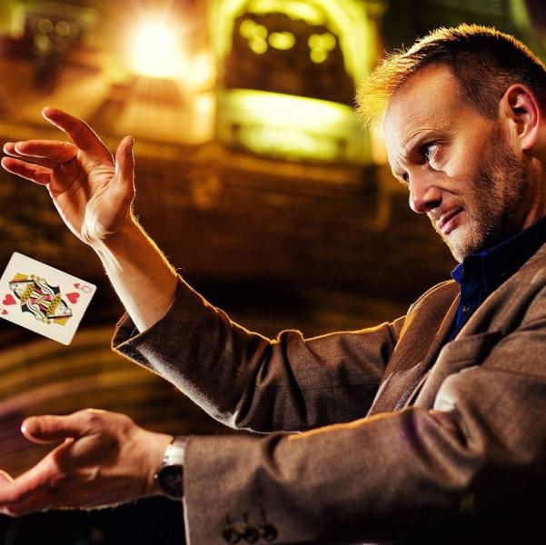 Simon Magician Magician Berkshire