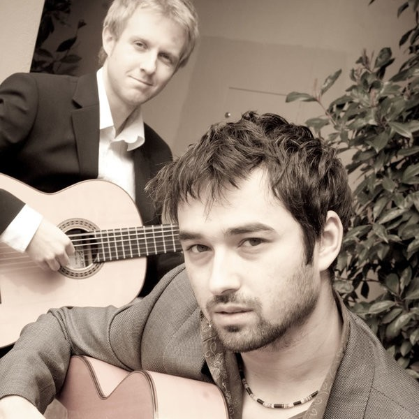 Sin Compas Gypsy Jazz/ Flamenco Guitar Duo West Midlands