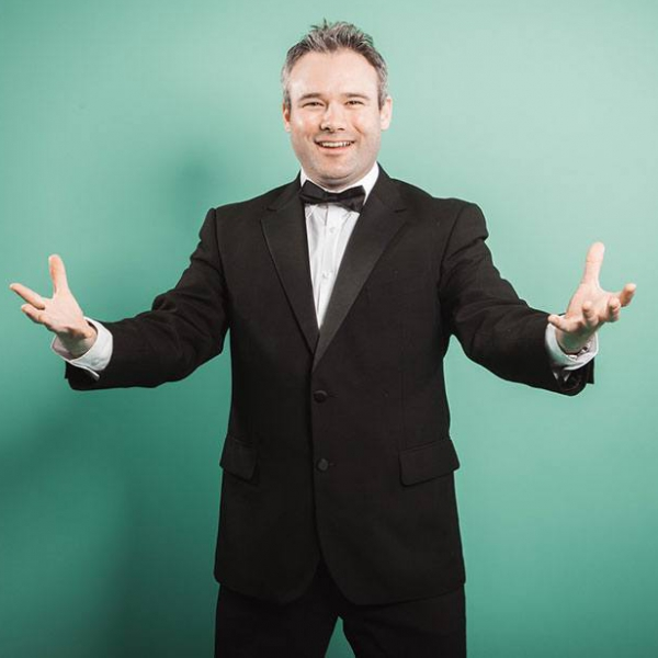 Tenor Russell Solo Classical Tenor Singer Hertfordshire