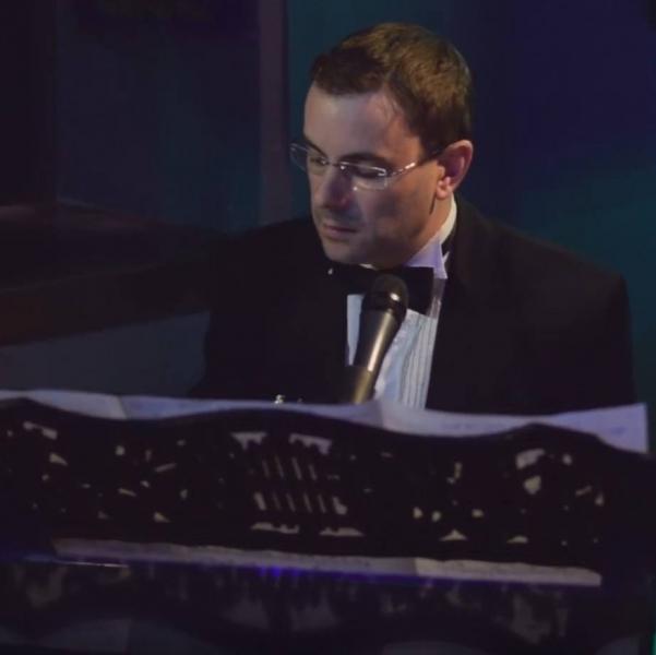 Ritz Lounge Pianist Hampshire
