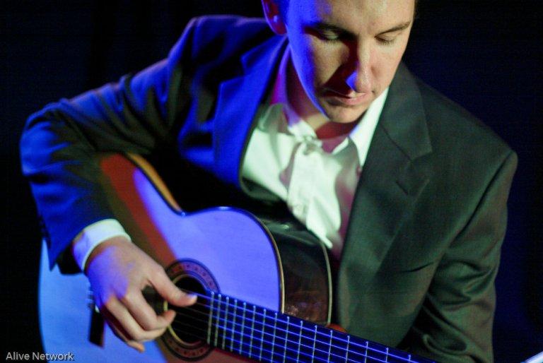 Promo Mike Williams Classical Guitarist Hertfordshire