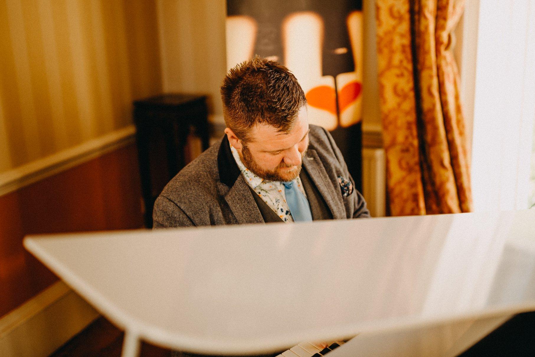 Promo James Robert Pianist West Yorkshire
