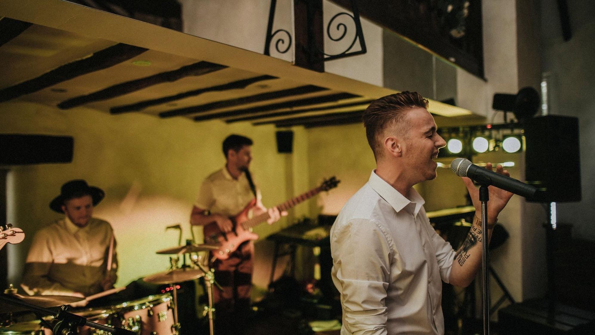 Promo Chris Acoustic  Shropshire