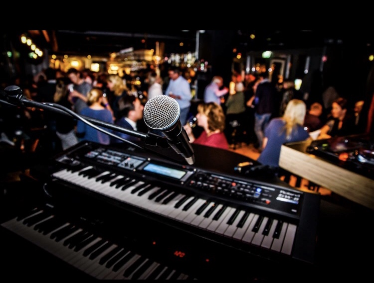 Promo Showtime Piano Show Piano Duo London