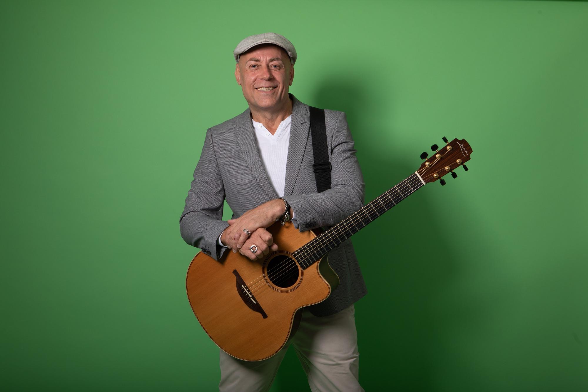 Promo Mike Stone Solo Singer/ Guitarist Gloucestershire