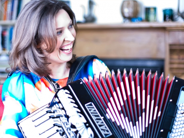 Promo Accordionist Cailin Accordionist London
