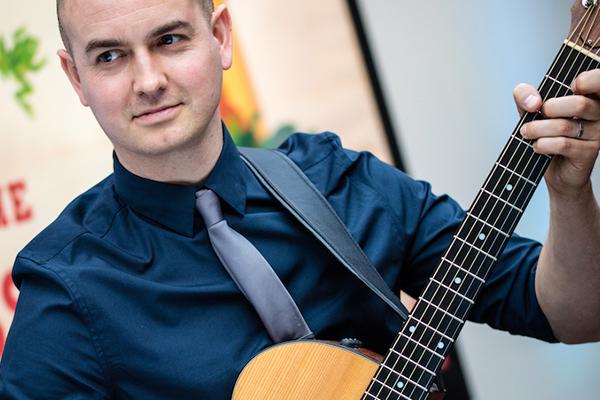Promo Acoustic Paul Singer Guitarist Essex