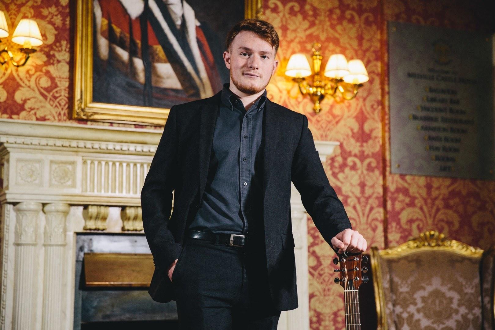Promo Ross Bold Acoustic Singer Guitarist Edinburgh