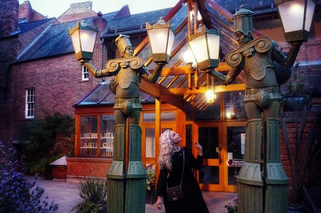 Promo Alive Lamp Posts Street Performer London