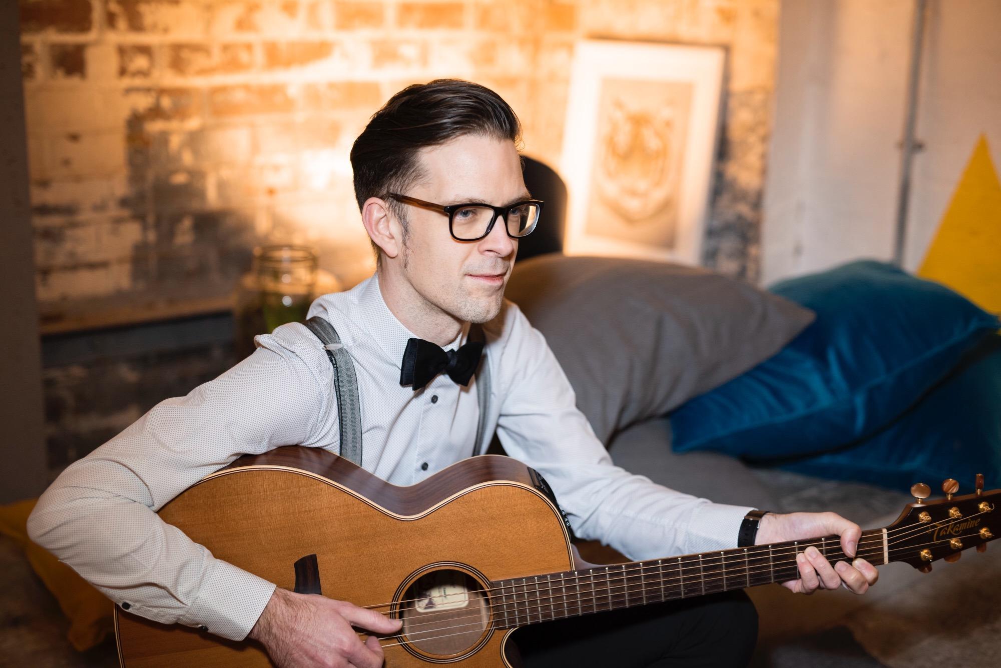 Promo Steven J Singer Guitarist West Midlands