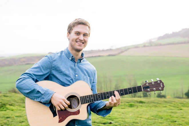 Promo Benjamin Classical Guitarist Hampshire