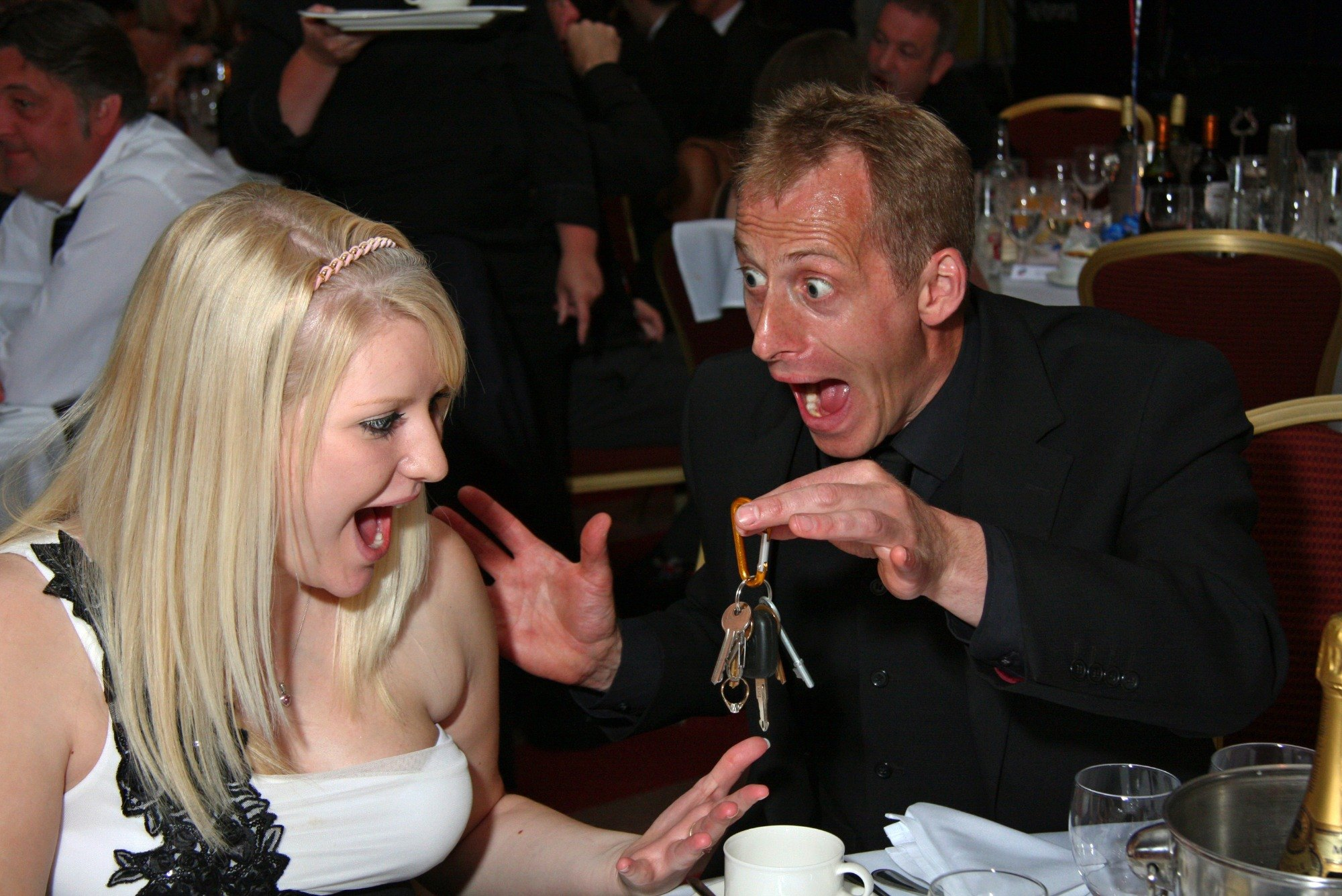 Promo Close Up Magician Brett Magician West Midlands