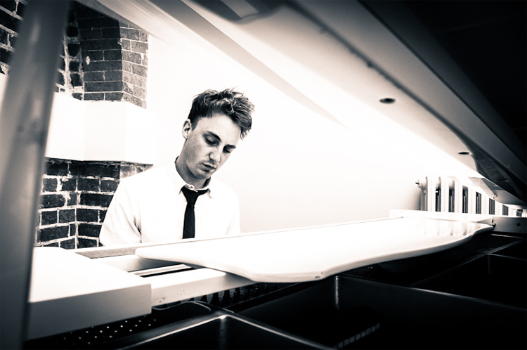 Promo Charlie Mappin Pianist Gloucestershire