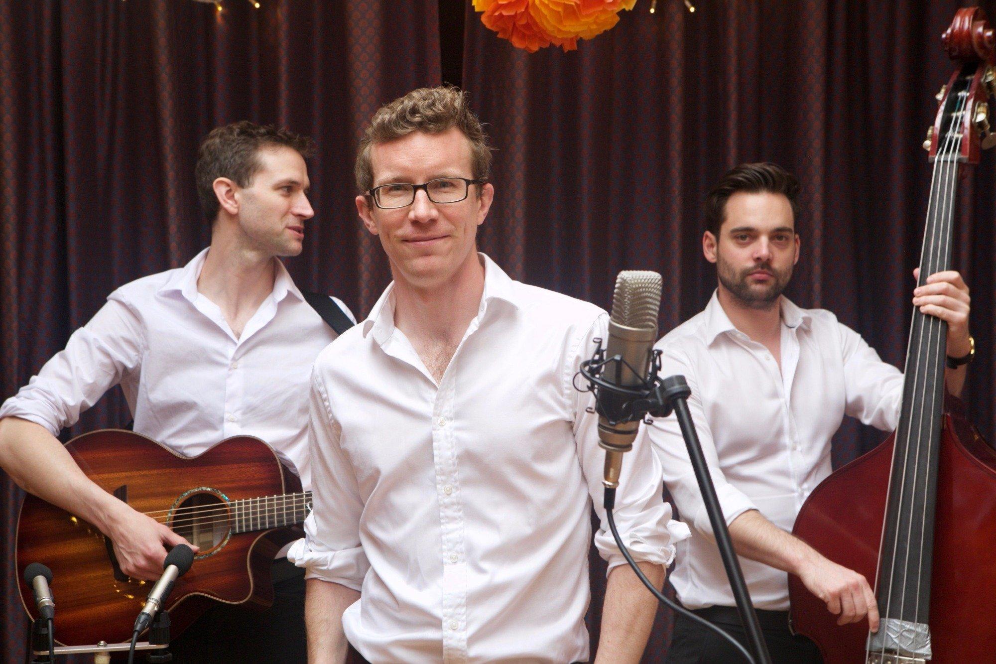 Promo Surround Sound Acoustic Trio Kent