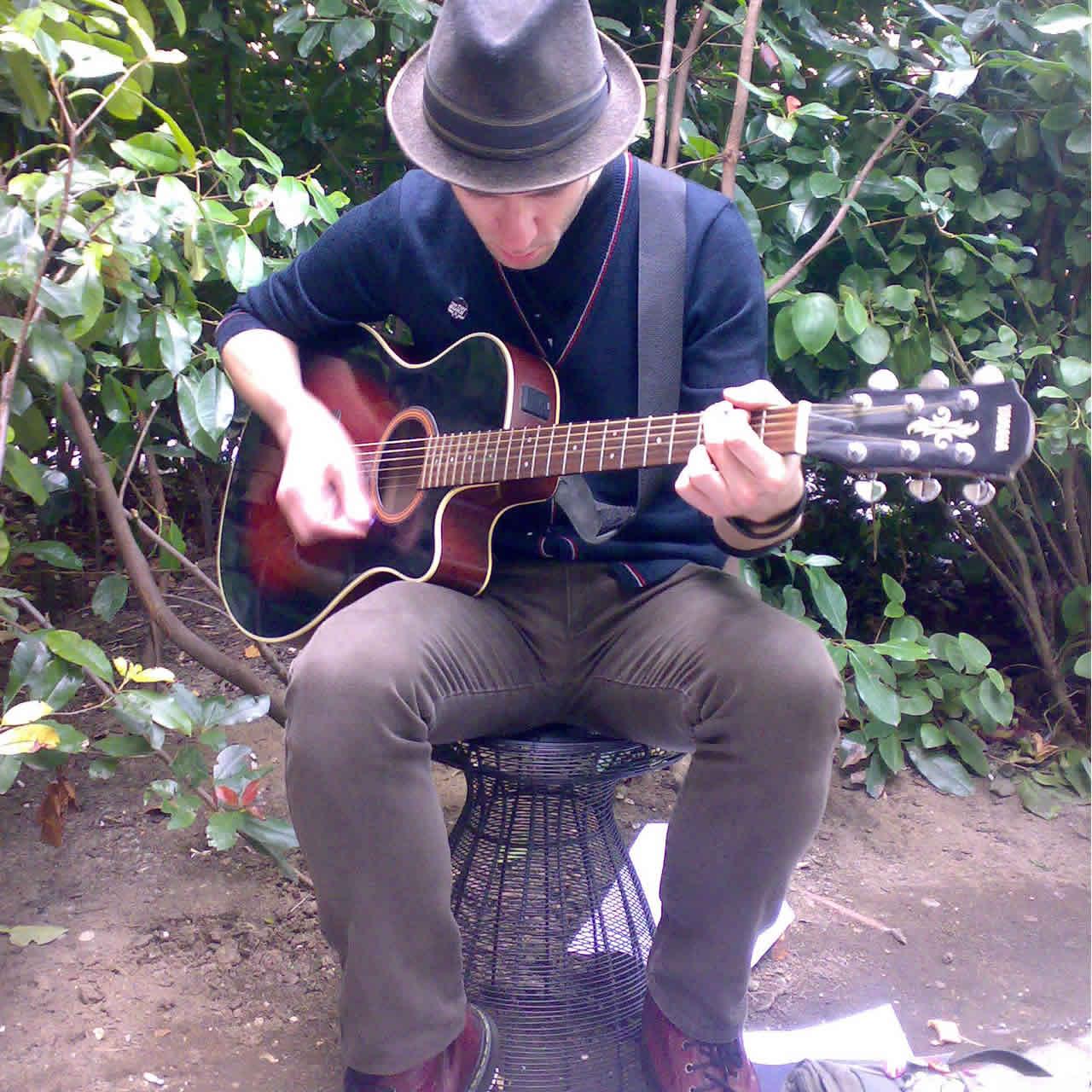 Promo Dan Greener Solo Singer / Guitarist Newcastle Upon Tyne