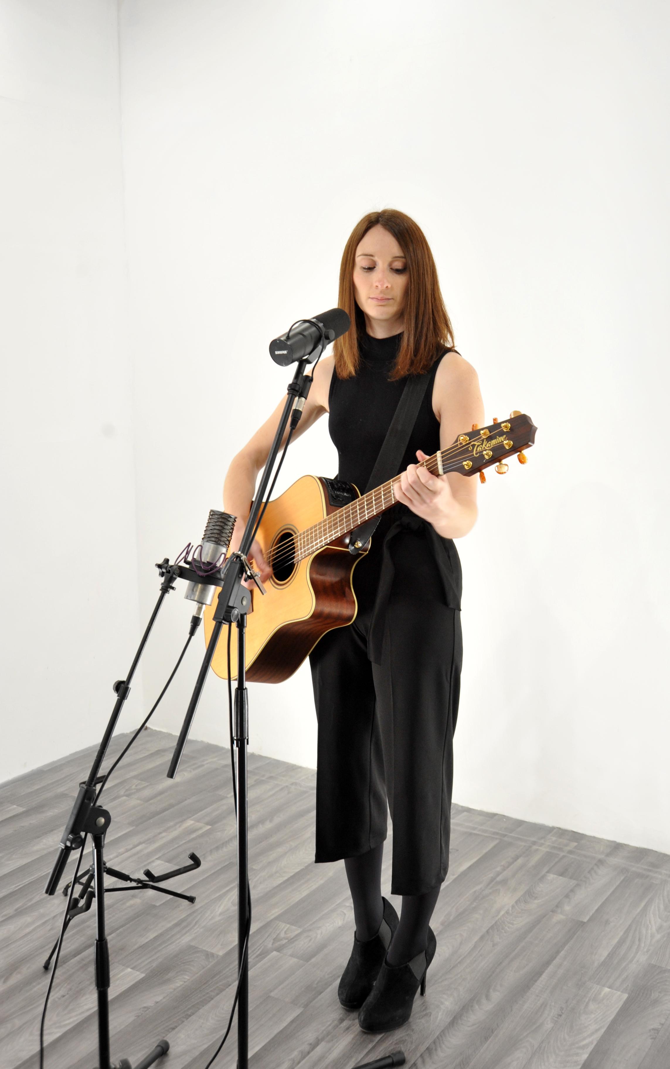 Promo Steph Singer Guitarist West Yorkshire
